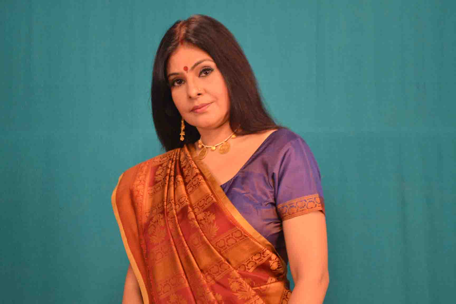 Malini Awasthi News, Videos and Images