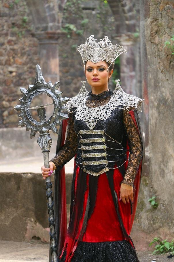 Aashka Goradia as  Mahavinashi Pari in SAB TV's Baal Veer1.jpg