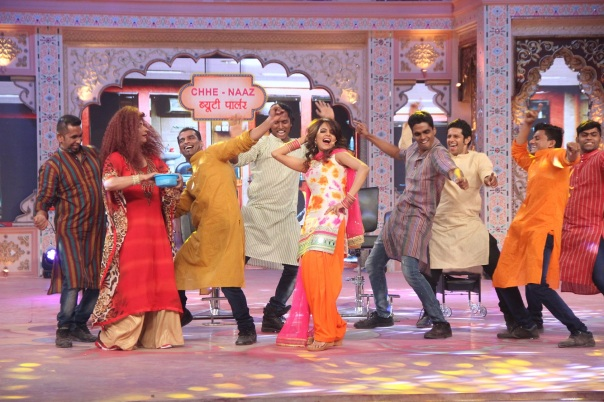 Sugandha's impromtu singing act on SAB Ki Holi