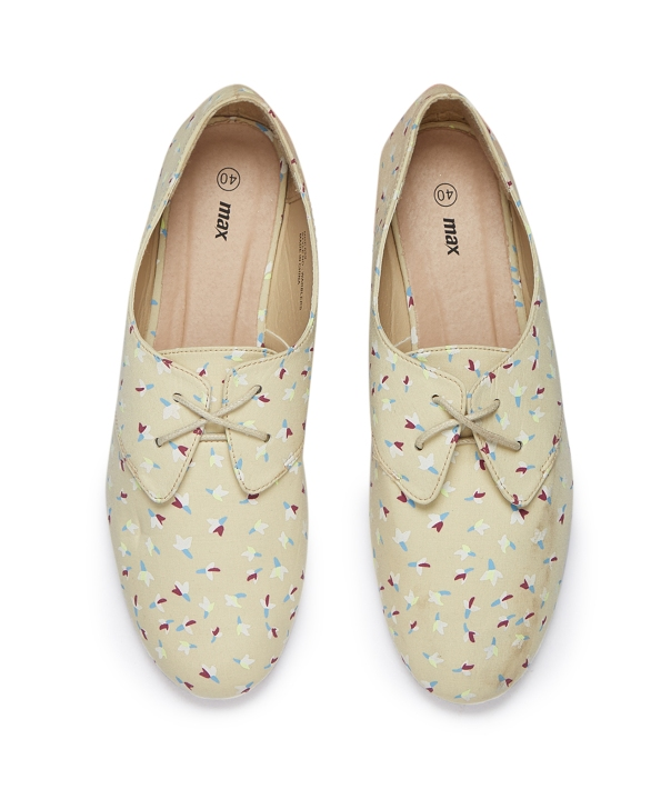 Max_Beige Printed Shoes. _ Rs 699