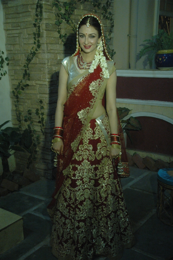 Saumya Tandon as Anita in BhabiJi Ghar Par Hai.JPG