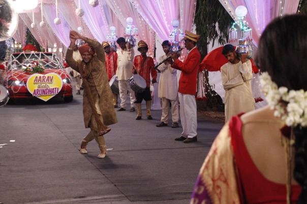 Vatsal doing Naagin dance.JPG