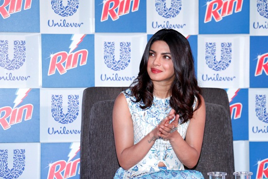 Priyanka Chopra salutes the shine and courage of Indian women with 'RIN ... (1)